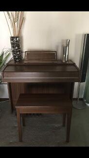 Organ and matching stool