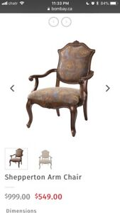 Bombay Company Shepperton accent arm chair Like New Antique Look