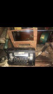 Early Triumph Am/fm radio
