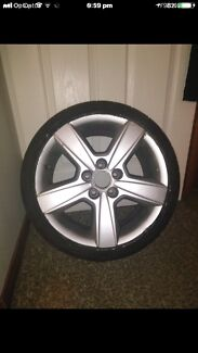 17 inch Ford mag wheels 1 only tyres in roadworthy condition