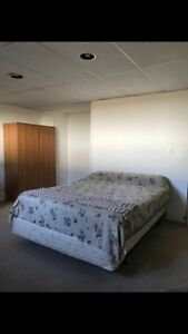 Huge spacious room for rent!!!