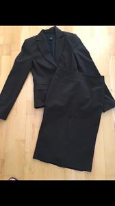 Ladies Cue Suit size 6 Scarborough Stirling Area Preview