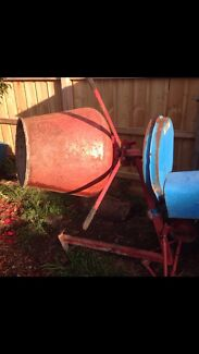 Cement mixer BEST OFFER!!  Doveton Casey Area Preview