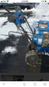 Look Yamaha tracked snowblower/snow blower works great
