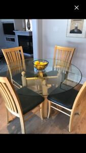 """CANADEL KITCHEN TABLE 60"""" ROUND WITH 4 CHAIRS"""