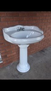 Porcelain Victorian style sink