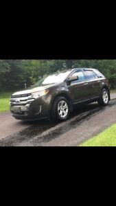 2011 Ford Edge sel, fwd, with snow tires