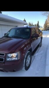 2008 Chevy Avalanche, 4x4, Safetied