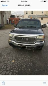 2003 GMC Sierra 4x4 5.3 RUNS AND DRIVES with plow