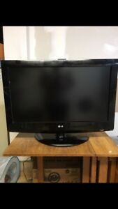 LG 32 HDTV with hdmi cord and PS3 BEST OFFER.