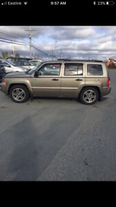 2008 jeep patriot 2wd 5 speed priced to sell $2700.00obo