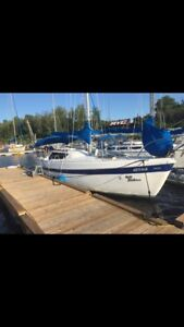 26 ft sailboat Columbia Mark II fore sail