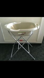Kidiway support for the luxe baby bathtub. NEW. AVAILABLE