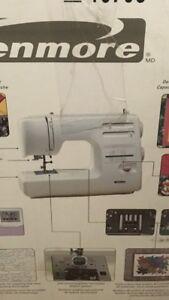 Machine a coudre à vendre/Sewing machine for sale