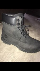 Men's size 9  timberlands boots