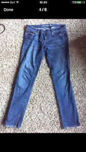 American Eagle Skinny Jeans. Size 4