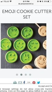 Pampered chef cookie cutters