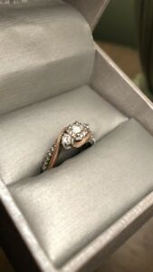 10K 2-tone Engagement Ring (Brand New)