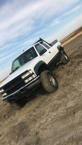 1997 2500 6.5 turbo diesel and parts truck