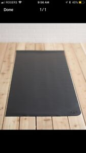 Lululemon barely used 1.5 mm reversible yoga mat, special