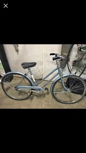 Vintage Raleigh sport bicycle
