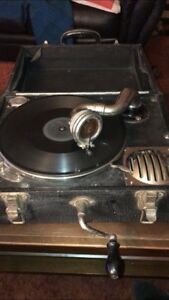 Antique old CRANK / wind up RECORD PLAYER Vintage TURNTABLE