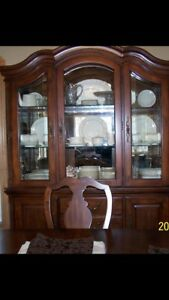 Solid Wood Mahogany Old World Colonial style CHINA CABINET