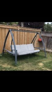 2 daybed patio swings
