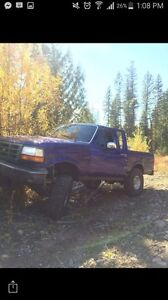 """1994 Ford 150 6""""lift on 35s"""