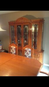 REDUCED!!!! Solid Oak Dining set w/Hutch  London Ontario image 4