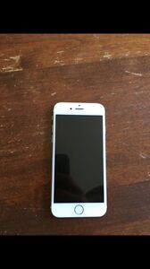 iPhone 6s gold 16 gb with virgin with green beats trade for s7
