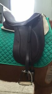 Bates precieux dressage saddle 16.5 Epping Whittlesea Area Preview
