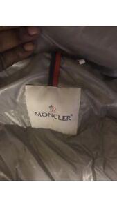 Moncler vest 10/10 size small