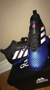 Selling adidas cleats (size 7)