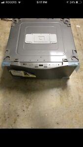 LG Pedestal wash machine . Sidekick WD200CV