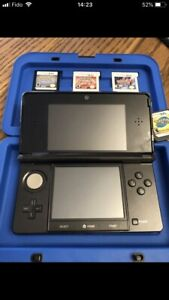 Nintendo 3D DS with games