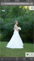 Lace wedding dress $500