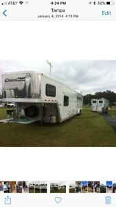 2007 Cimmaron 4 horse trailer with large living quarters