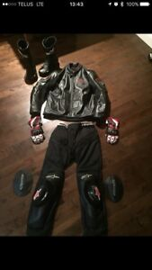 Leather Alpinestar gear/suit ( Jacket, pants, boots, gloves)