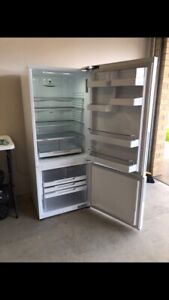 Fisher & Paykel 442L Fridge only 2 years old