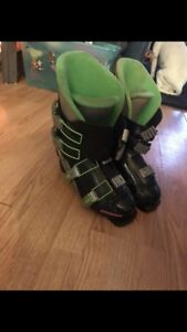 Skii boots size 9