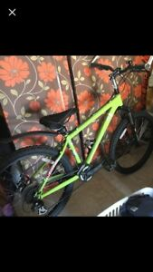 devinci hucker hardtail bike bicycle