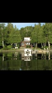 Cottage on Lac Labyrinthe in Quebec