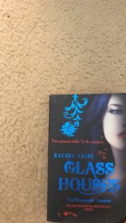 Morganville Vampires- Glass Houses