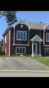 Maison de ville a louer a st-romuald , 1250$ par mois