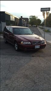 2000 Volvo V70 Part Out or take Full