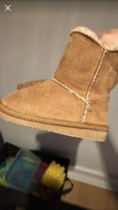 Velcro closure toddler size ugg style boots size 4