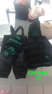 Old navy snow suit with matching hat and gloves