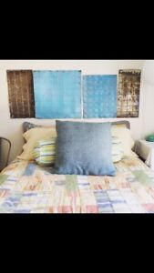 Queen Quilt/Coverlet and Sham Set