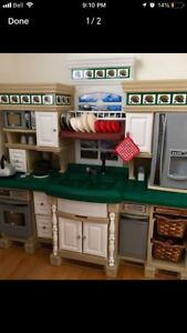 Moving sale - Step2 Lifestyle Deluxe Play Kitchen